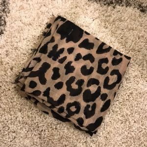 Perfect fall Nordstrom BP leopard scarf